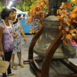 Lauren (front) and her mother Yolanda inspected the Liberty Bell replica.