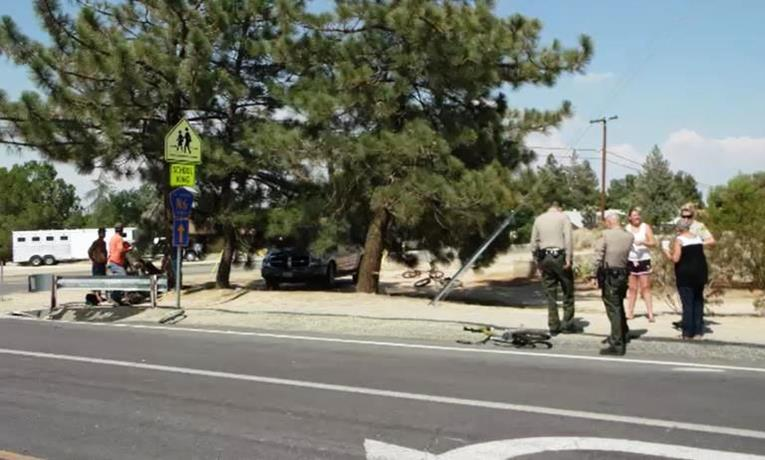 The collision happened in the intersection of Longview Road and Avenue W. Avenue W is controlled by posted STOP signs, but Longview Road is a through roadway with no controls at the intersection. (Photo by LUIS MEZA)