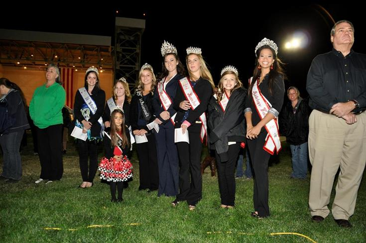The Antelope Valley Community queens were also on hand for the ceremony.