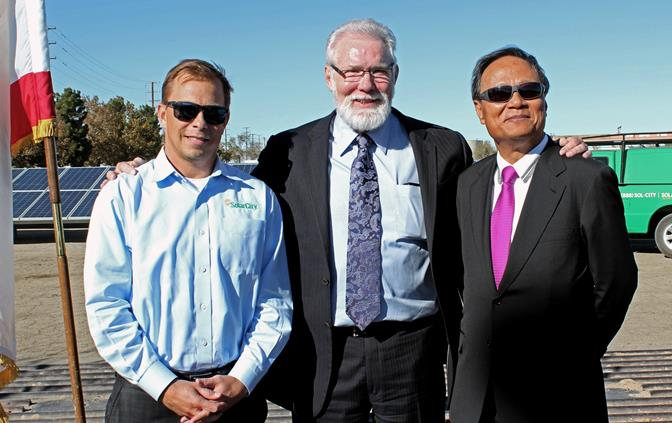 (L to R) Jeff Palmdale, Solar City; Lancaster Mayor R. Rex Parris; Topco Chairman Joshua Chang. (Photo courtesy City of Lancaster.)