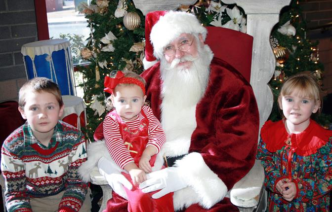 Santa will at the Palmdale Playhouse on Wed. Nov. 27 and Wed., Dec. 18, from 11-4 pm; and Wed. Dec. 4, 11 & 18, from 6-9 pm.