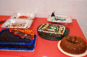 Students designed Star Wars-themed cakes, which were served to blood donors.