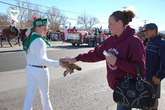 A local 4-H club was a hit with animal lovers at the Palmdale Christmas parade last month. Antelope Valley 4-H and the city of Lancaster has partnered to host the 2014 Livestock Symposium at the Fairgrounds this Saturday.