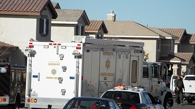 The incident happened in the 37100 block of Julian Lane in Palmdale. (Photo by LUIS MEZA)