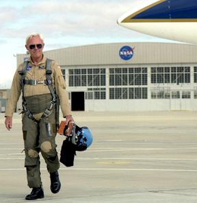 Shortly before his retirement in June 1999, Tom McMurtry heads out for a final flight in one of NASA Armstrong's workhorse F/A-18 mission support aircraft. (NASA / Tom Tschida)