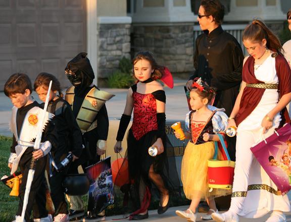 Palmdale offers Halloween safety tips for AV residents