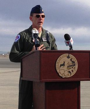 USAF Thunderbird advance pilot Maj. Scott S. Petz addresses aviation enthusiasts at the 2015 Los Angeles County Air Show press conference. (Jim E. Winburn)