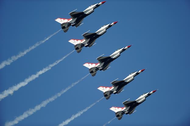 (Image courtesy USAF Thunderbirds)