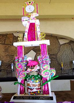 The Grand Prize winning concessionaire was awarded a rosette, a gift basket and this trophy. (Photo by Jim Winburn)