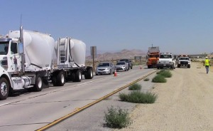 The southbound lanes of SR-14 were completely closed at Avenue A for approximately one hour. (LUIS MEZA)