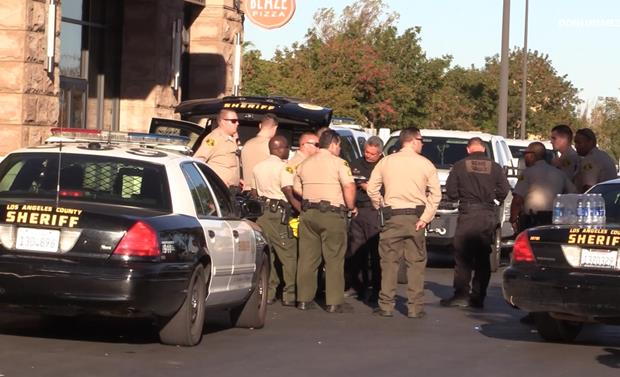 A suspicious package call came in from the Antelope Valley Mall around 2:30 p.m. Thursday, Sept. 22, sheriff's officials said. [Photo by LUIS MEZA]