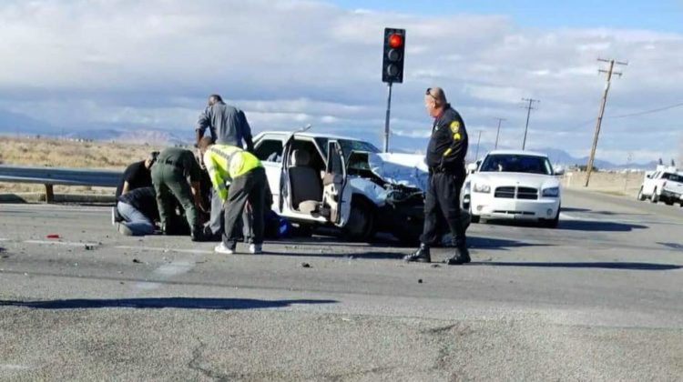 Driver killed in 3-vehicle crash in Lancaster