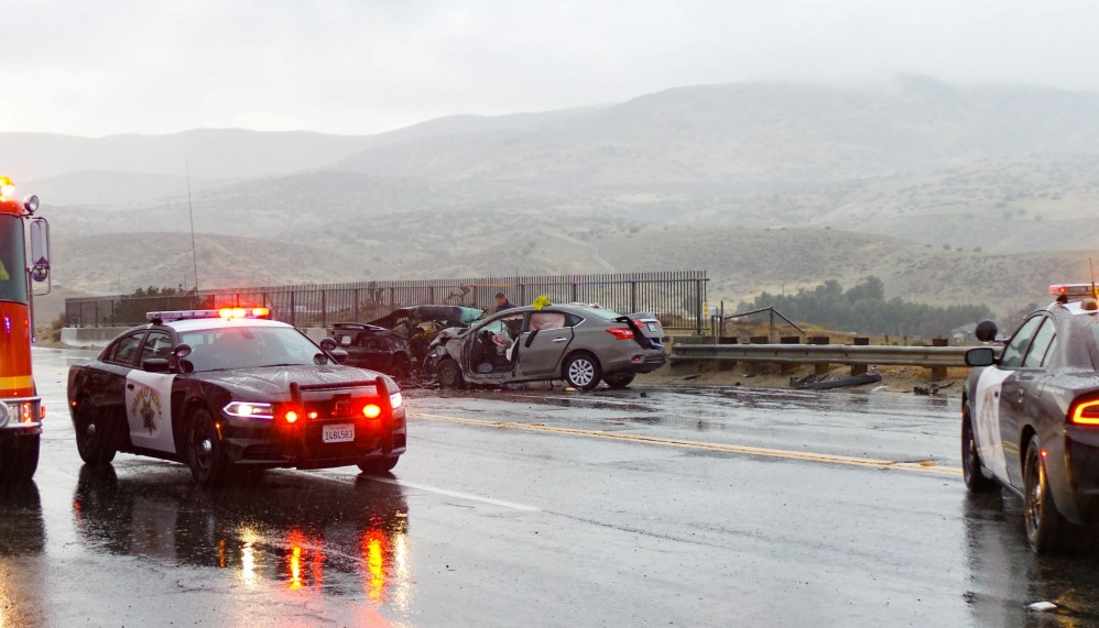 One dead, three injured in Palmdale crash