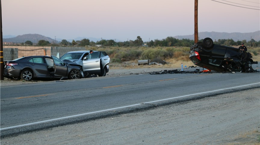 2 dead 5 injured in multi vehicle antelope valley crash the antelope valley times