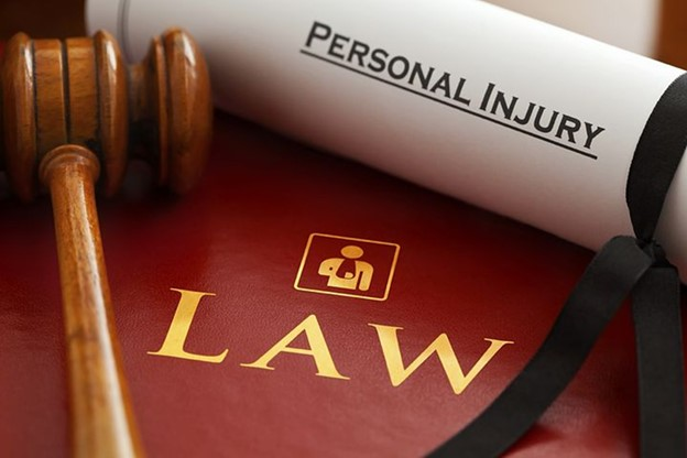 What is the difference between comparative negligence and contributory  negligence?